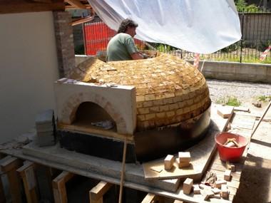 Prefabbricati forni a legna come costruirli for Forno a legna in mattoni refrattari